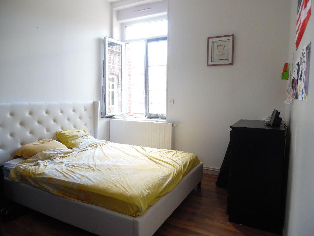 Appartement à vendre 4 114m2 à Saint-Quentin vignette-3