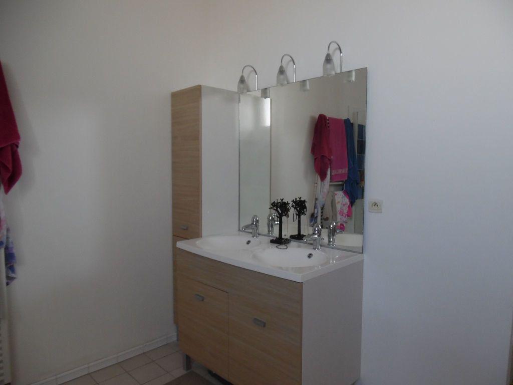 Appartement à vendre 4 114m2 à Saint-Quentin vignette-5