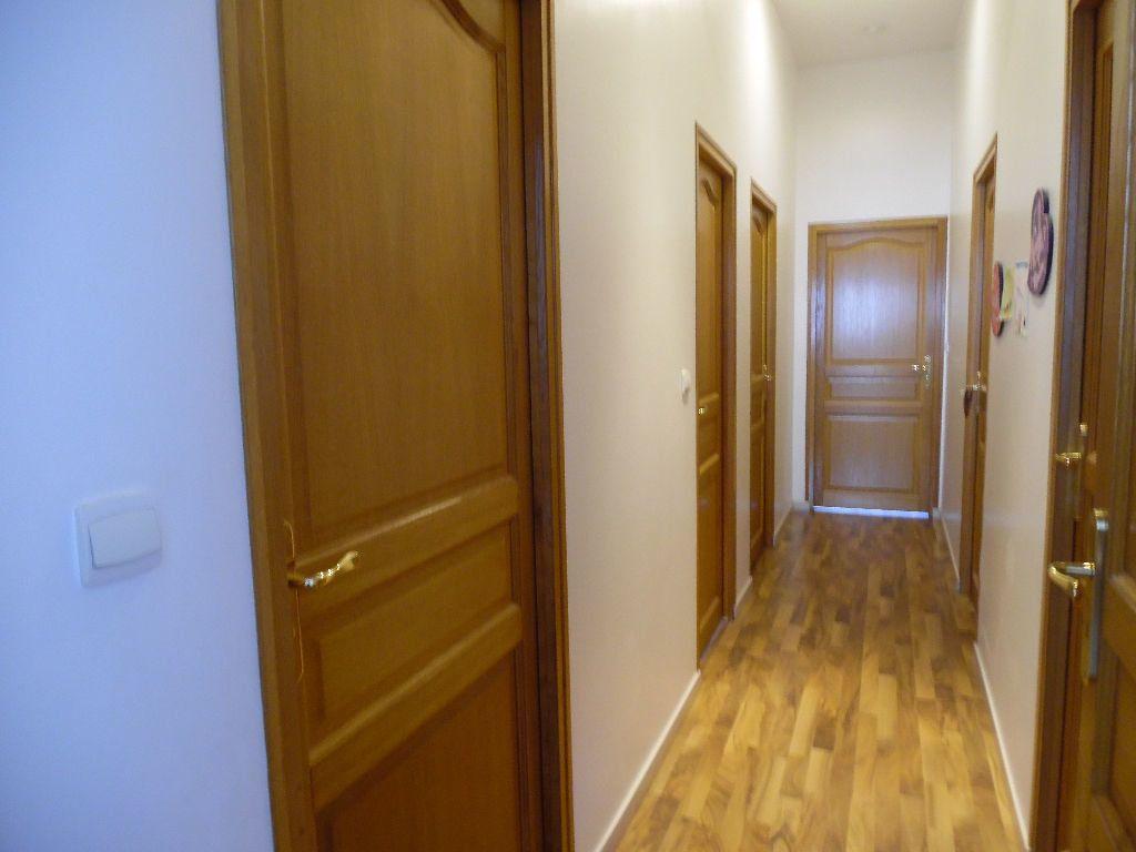 Appartement à vendre 4 114m2 à Saint-Quentin vignette-9
