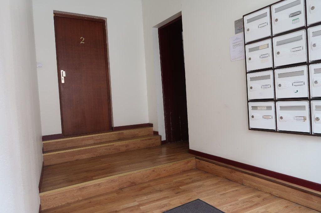 Appartement à vendre 4 114m2 à Saint-Quentin vignette-11