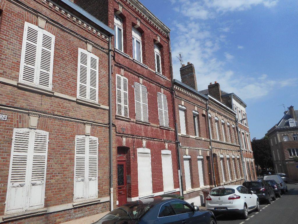 Appartement à louer 2 29m2 à Amiens vignette-1