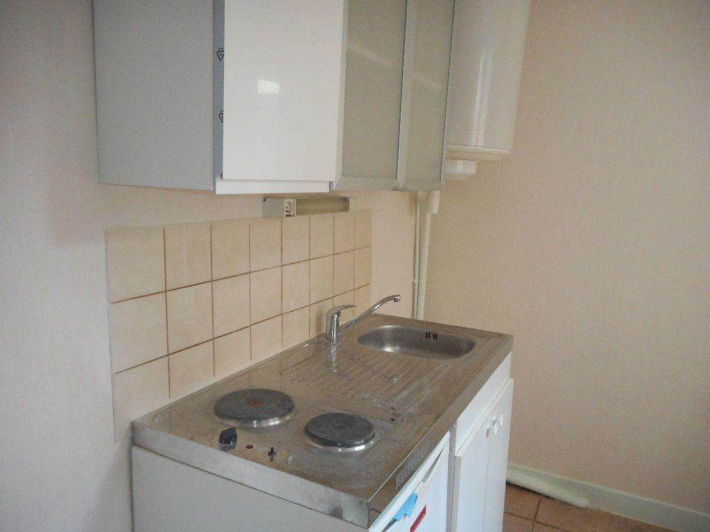 Appartement à louer 2 29m2 à Amiens vignette-5