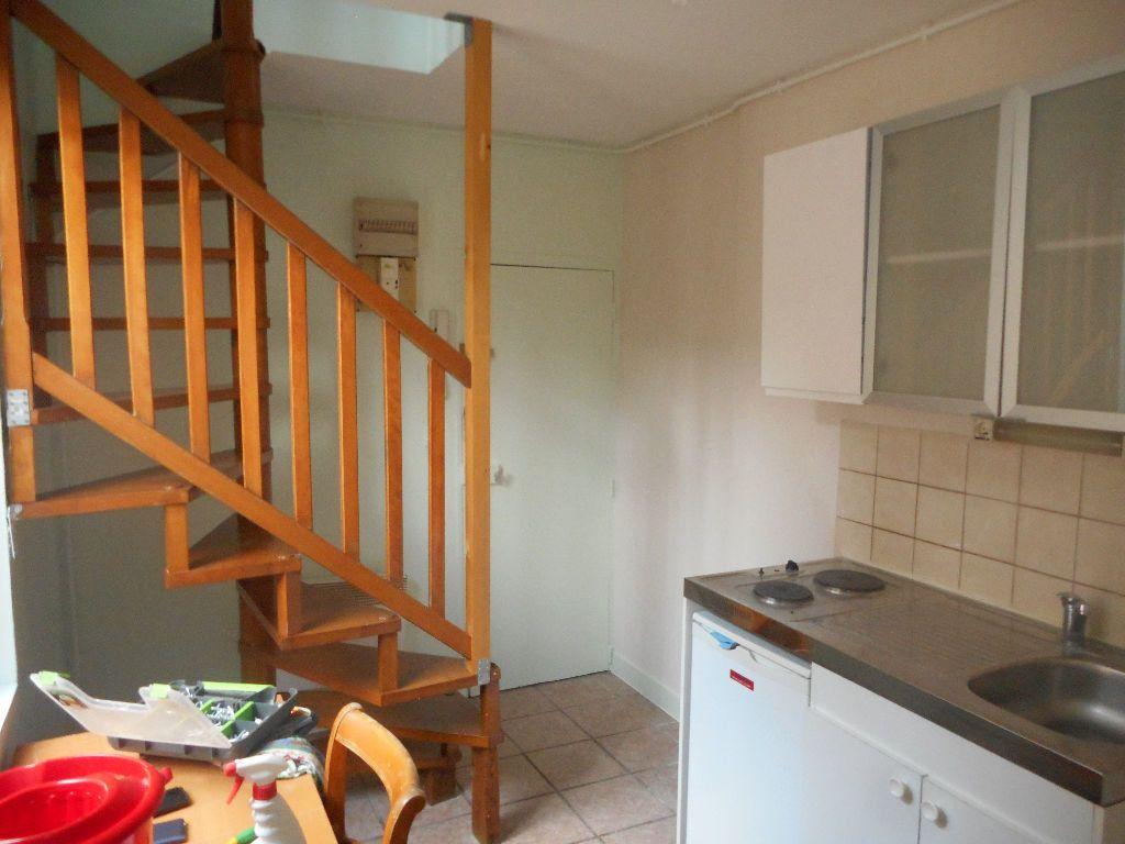 Appartement à louer 2 29m2 à Amiens vignette-6