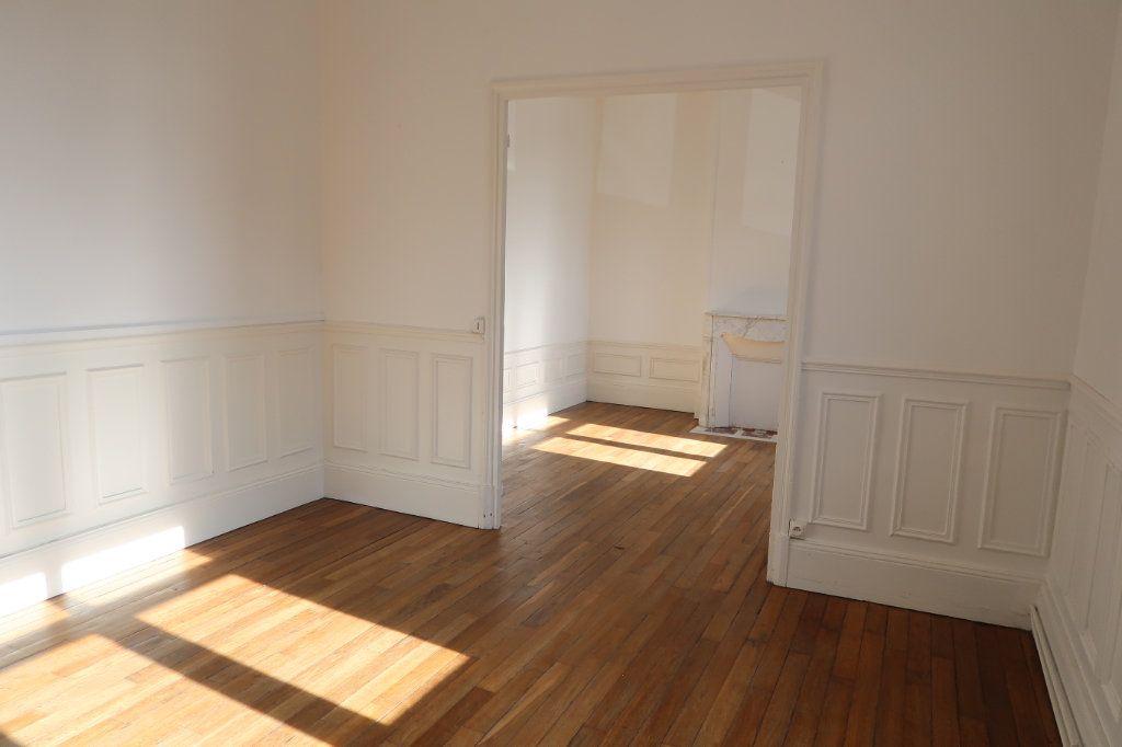 Appartement à louer 3 80m2 à Saint-Quentin vignette-1