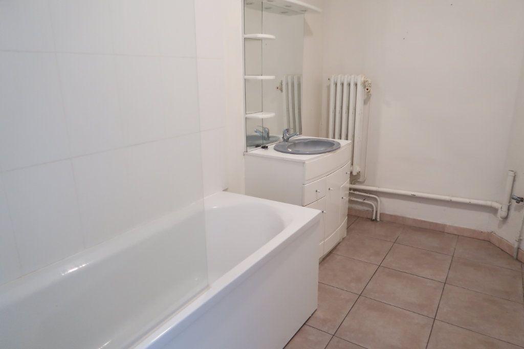Appartement à louer 3 80m2 à Saint-Quentin vignette-5