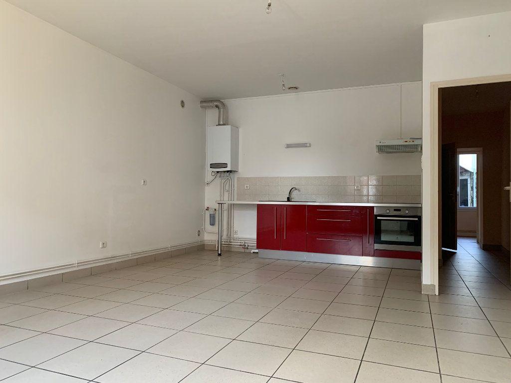 Appartement à louer 3 64m2 à Tergnier vignette-2