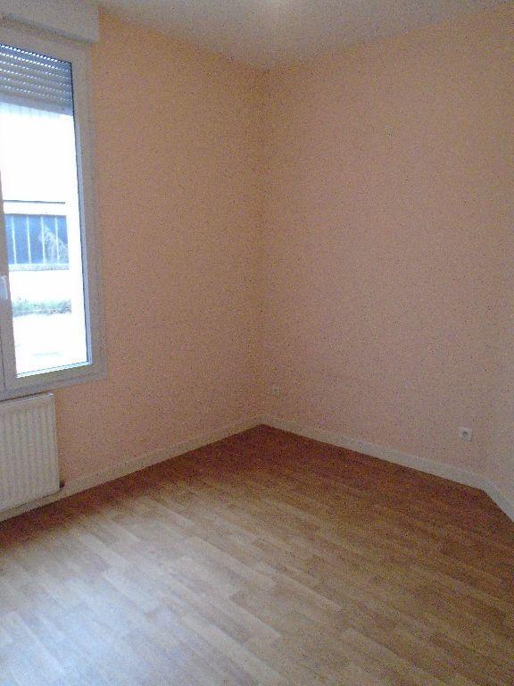 Appartement à louer 3 64m2 à Tergnier vignette-5