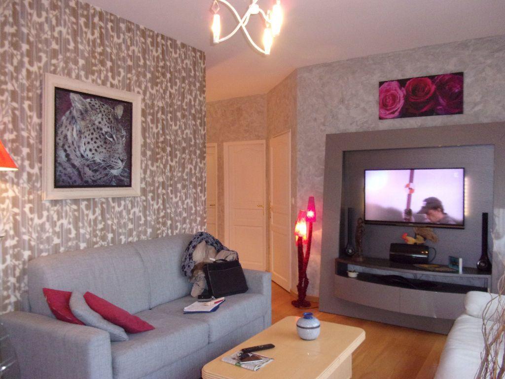 Appartement à louer 2 53.6m2 à Saint-Quentin vignette-2