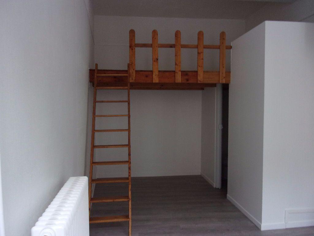 Appartement à louer 2 18.6m2 à Saint-Quentin vignette-3