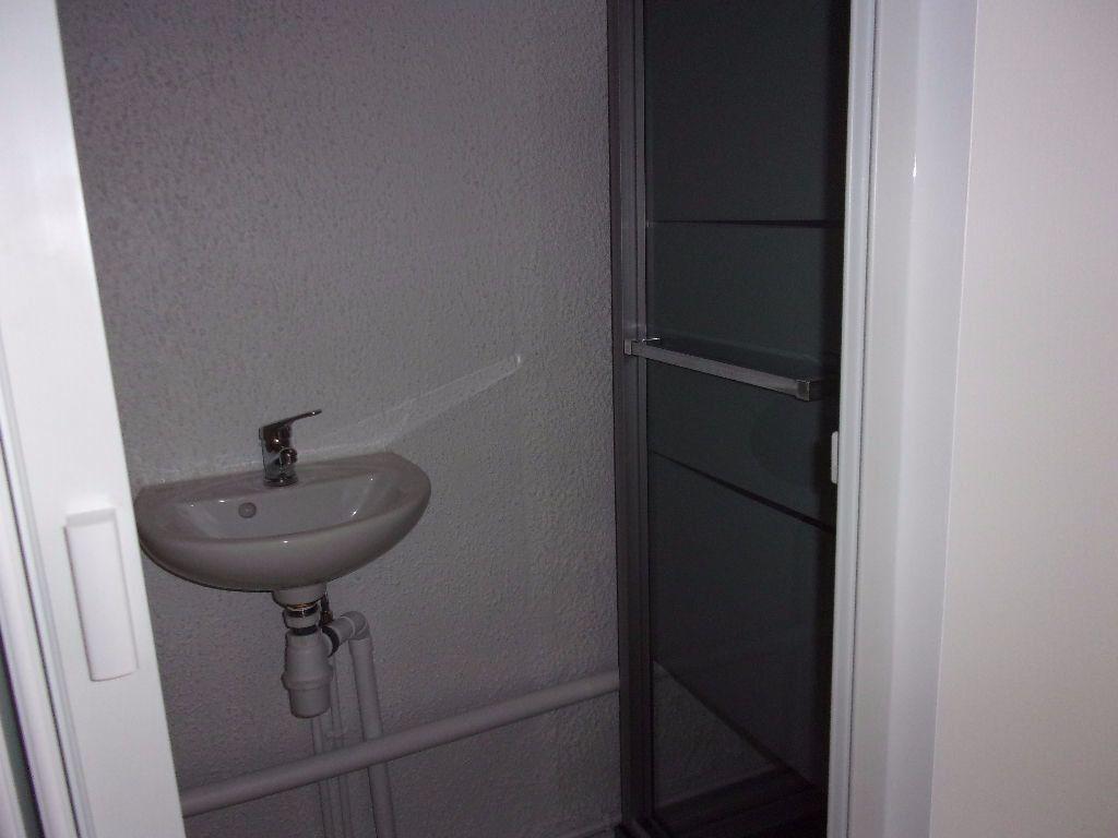 Appartement à louer 2 18.6m2 à Saint-Quentin vignette-4