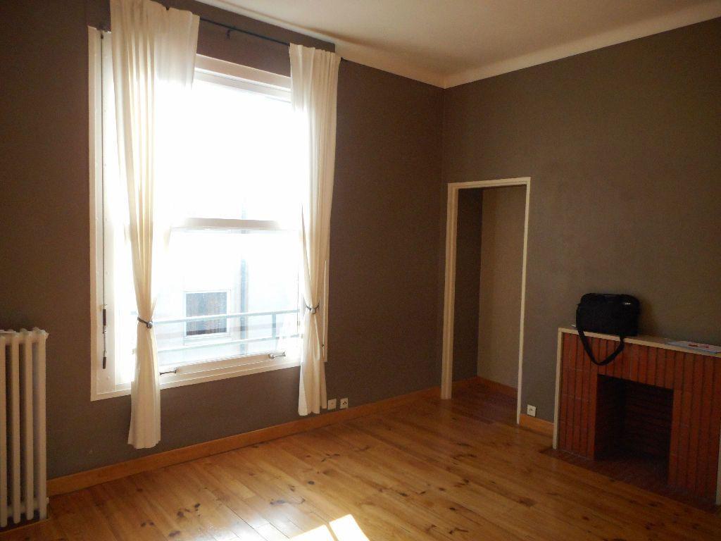 Appartement à louer 3 69.92m2 à Amiens vignette-1