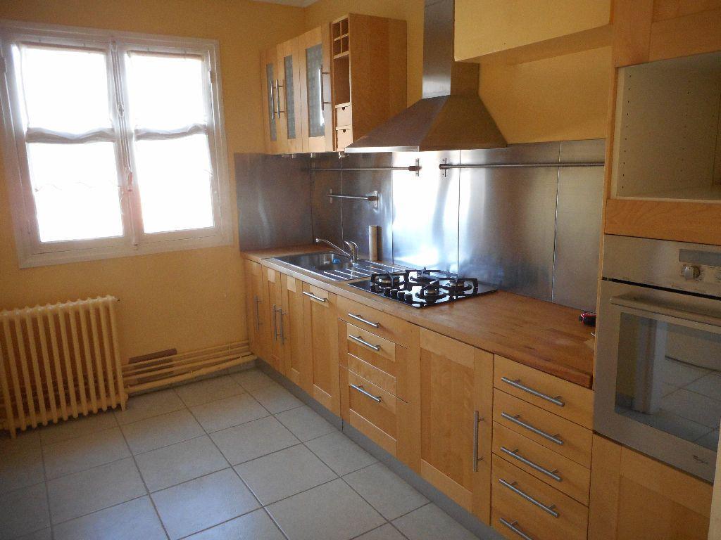Appartement à louer 3 69.92m2 à Amiens vignette-3
