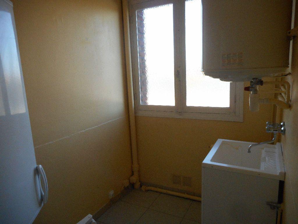 Appartement à louer 3 69.92m2 à Amiens vignette-10