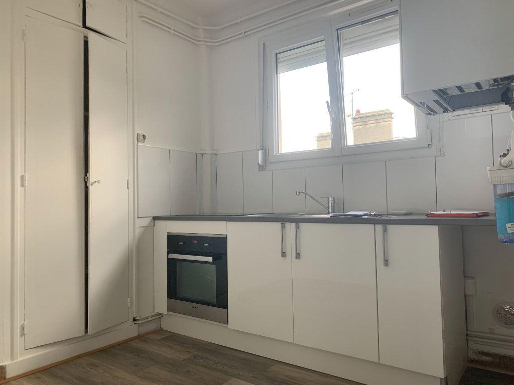 Appartement à louer 3 76m2 à Laon vignette-1