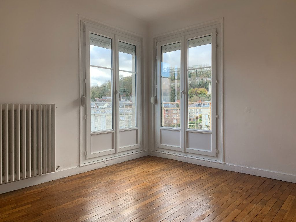 Appartement à louer 3 76m2 à Laon vignette-2