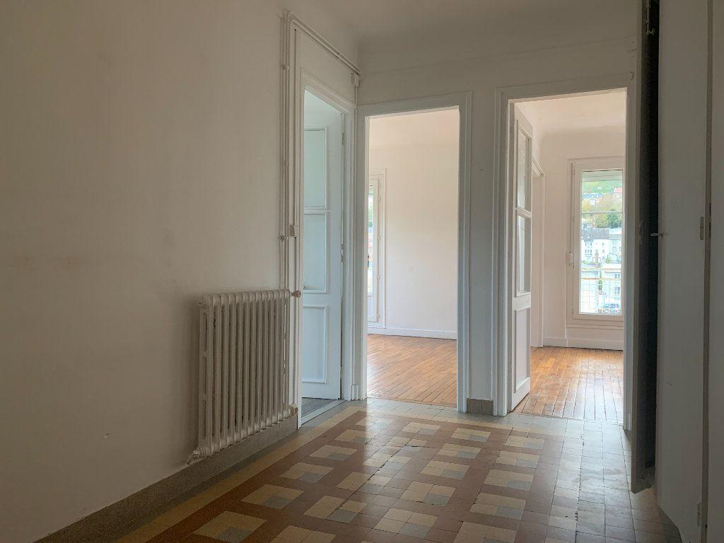 Appartement à louer 3 76m2 à Laon vignette-4