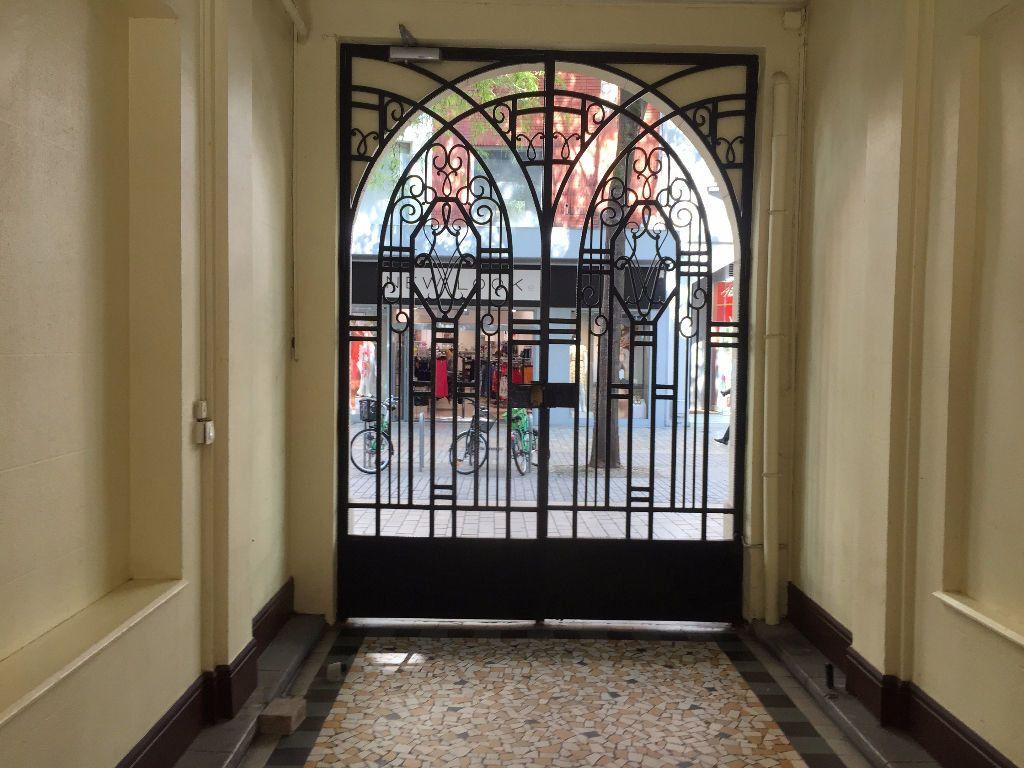 Appartement à louer 2 42m2 à Amiens vignette-1