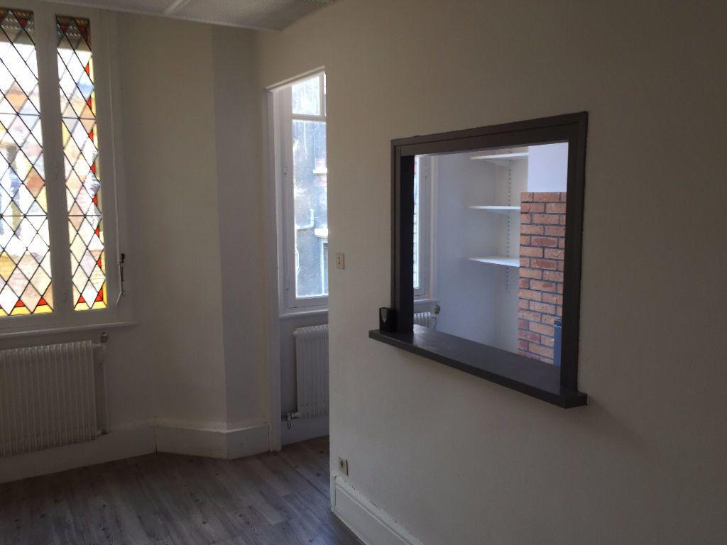 Appartement à louer 2 42m2 à Amiens vignette-2