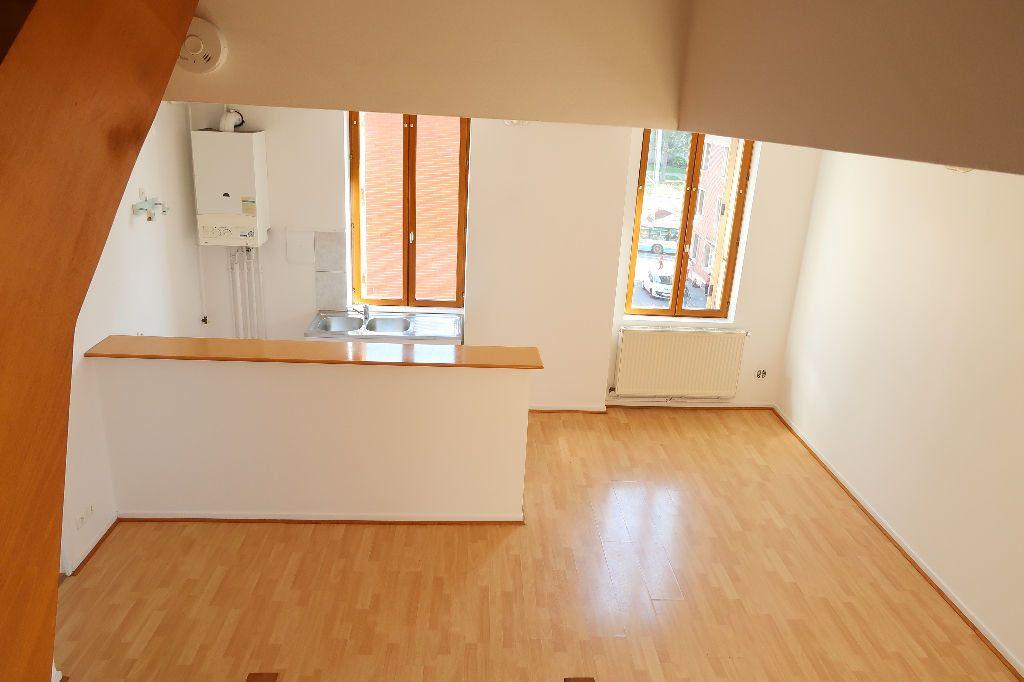 Appartement à louer 2 70.36m2 à Saint-Quentin vignette-2
