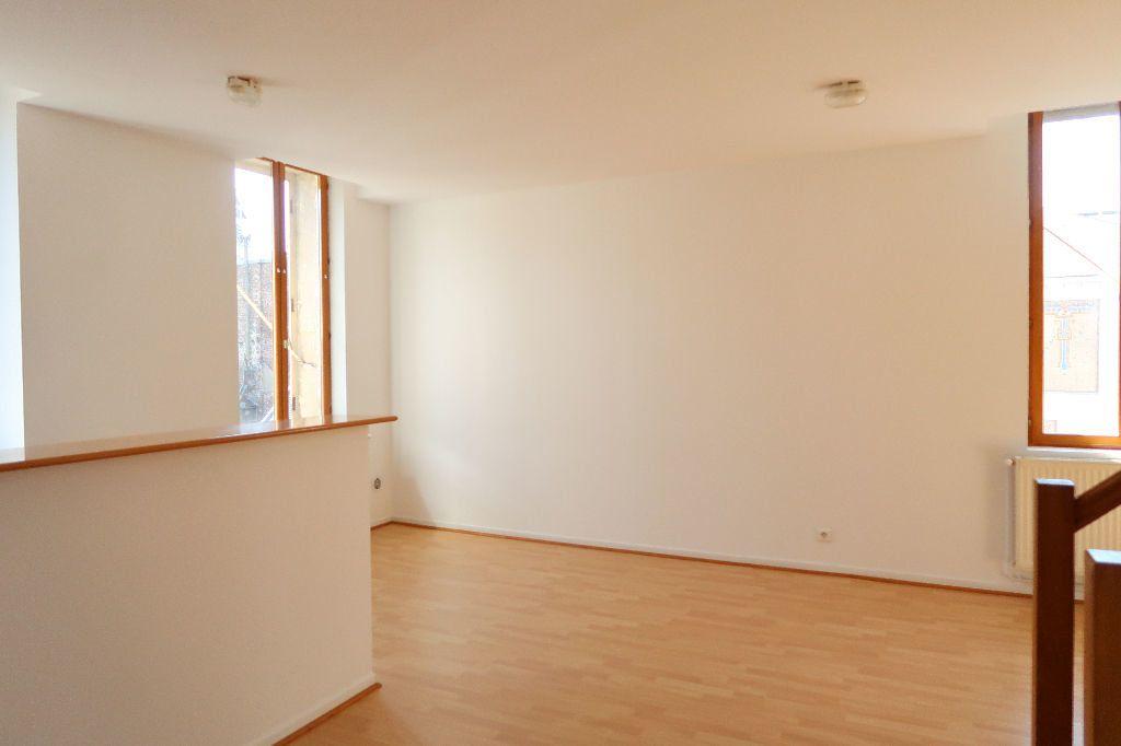 Appartement à louer 2 70.36m2 à Saint-Quentin vignette-5