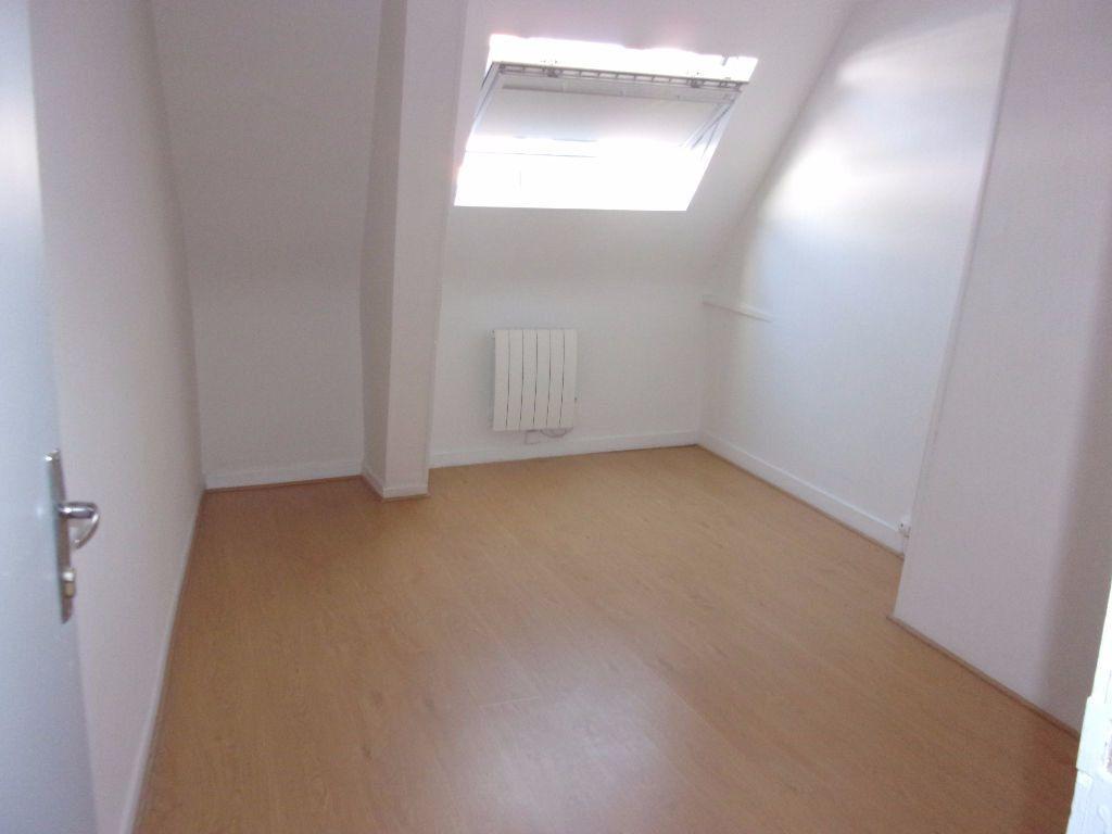 Appartement à louer 3 70m2 à Saint-Quentin vignette-7