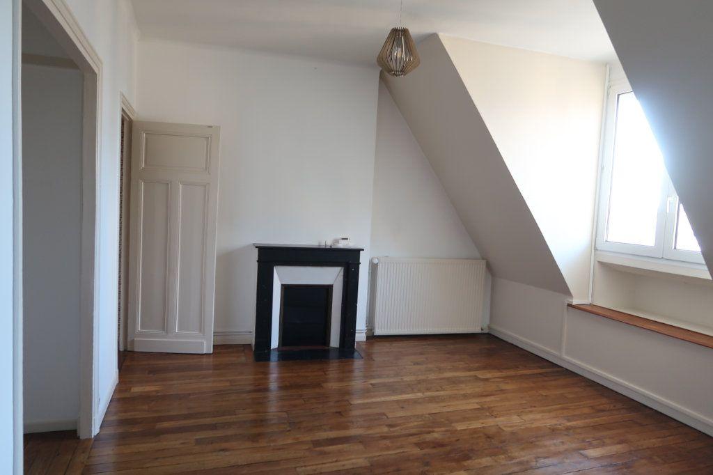 Appartement à louer 2 50m2 à Saint-Quentin vignette-6