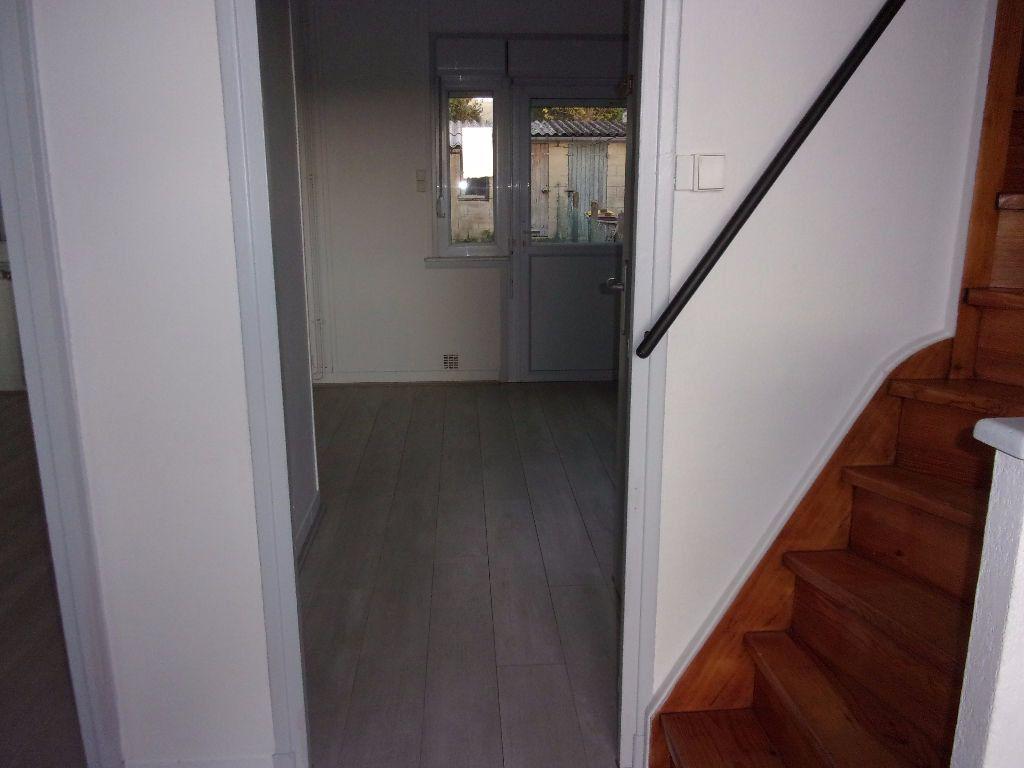 Maison à louer 4 61m2 à Gauchy vignette-2