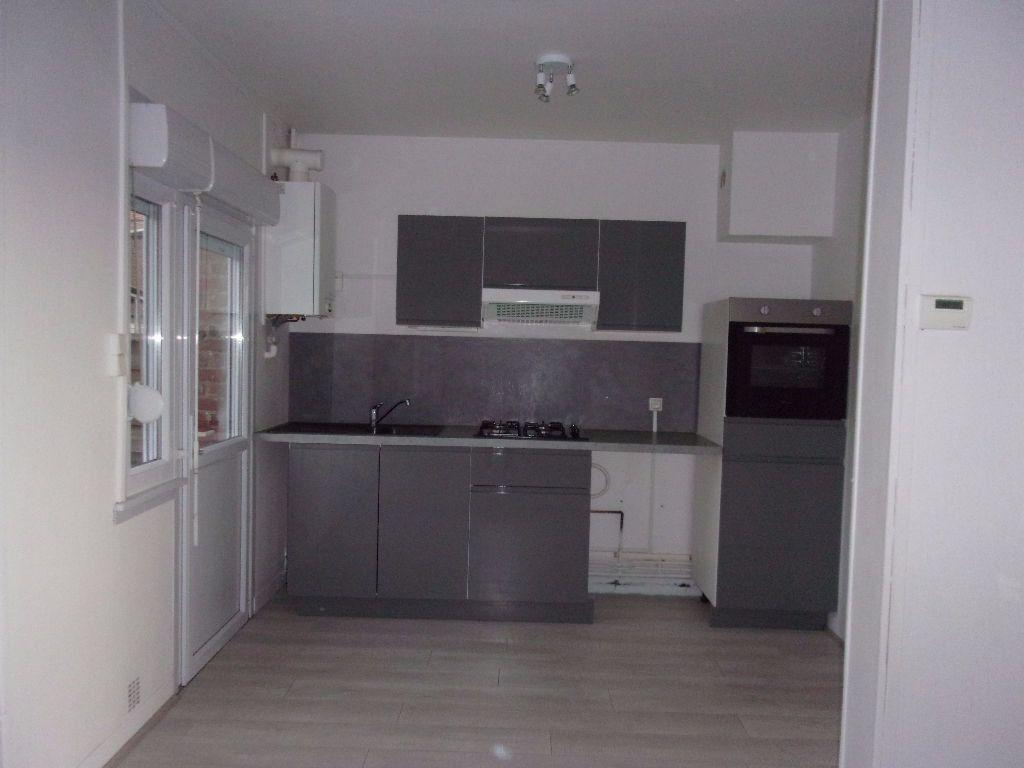 Maison à louer 4 61m2 à Gauchy vignette-3