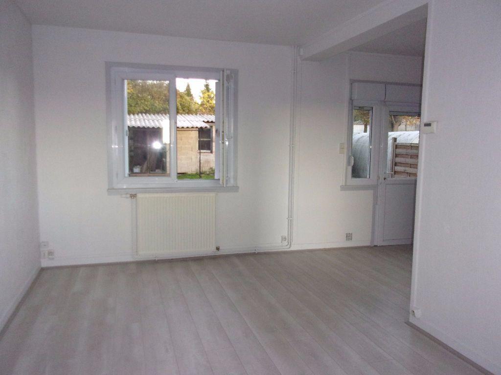 Maison à louer 4 61m2 à Gauchy vignette-5