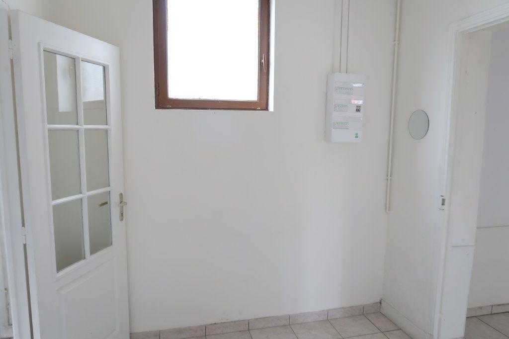 Maison à louer 5 114.32m2 à Saint-Quentin vignette-4