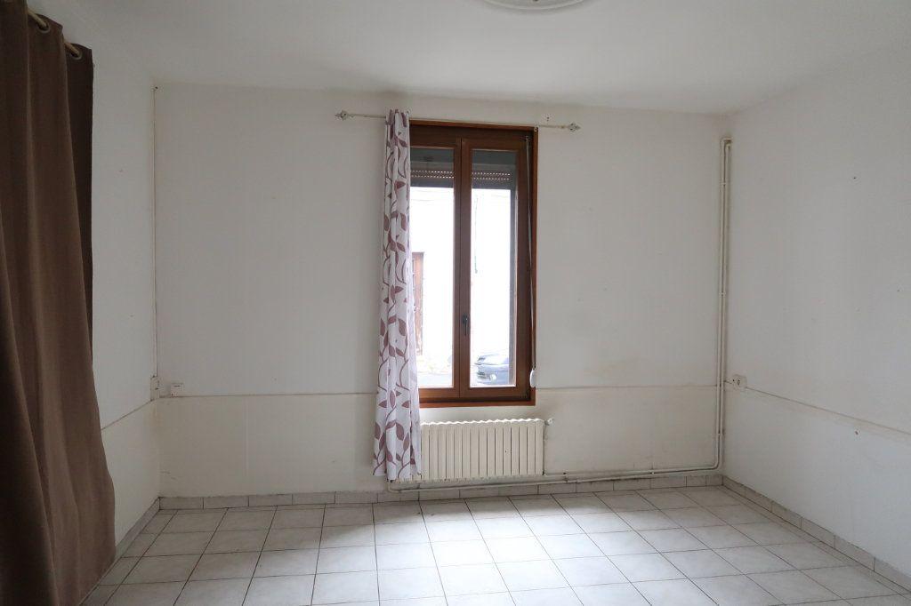 Maison à louer 5 114.32m2 à Saint-Quentin vignette-5