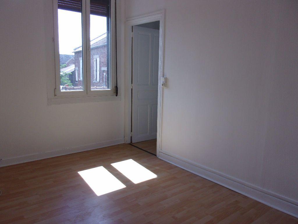 Maison à louer 5 114.32m2 à Saint-Quentin vignette-10