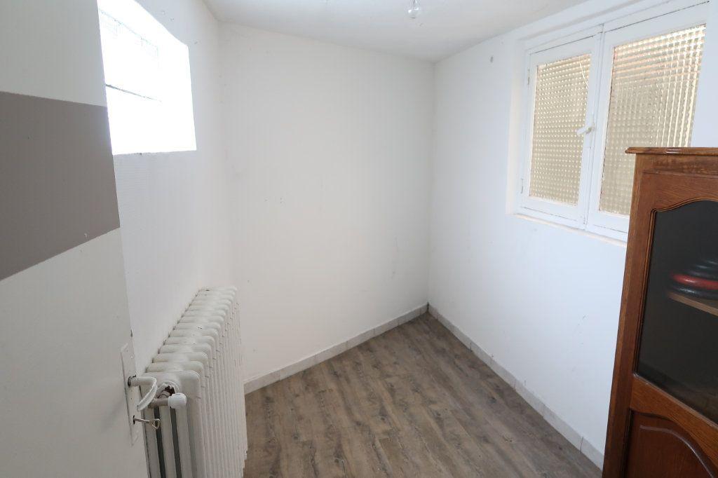 Maison à louer 5 114.32m2 à Saint-Quentin vignette-11