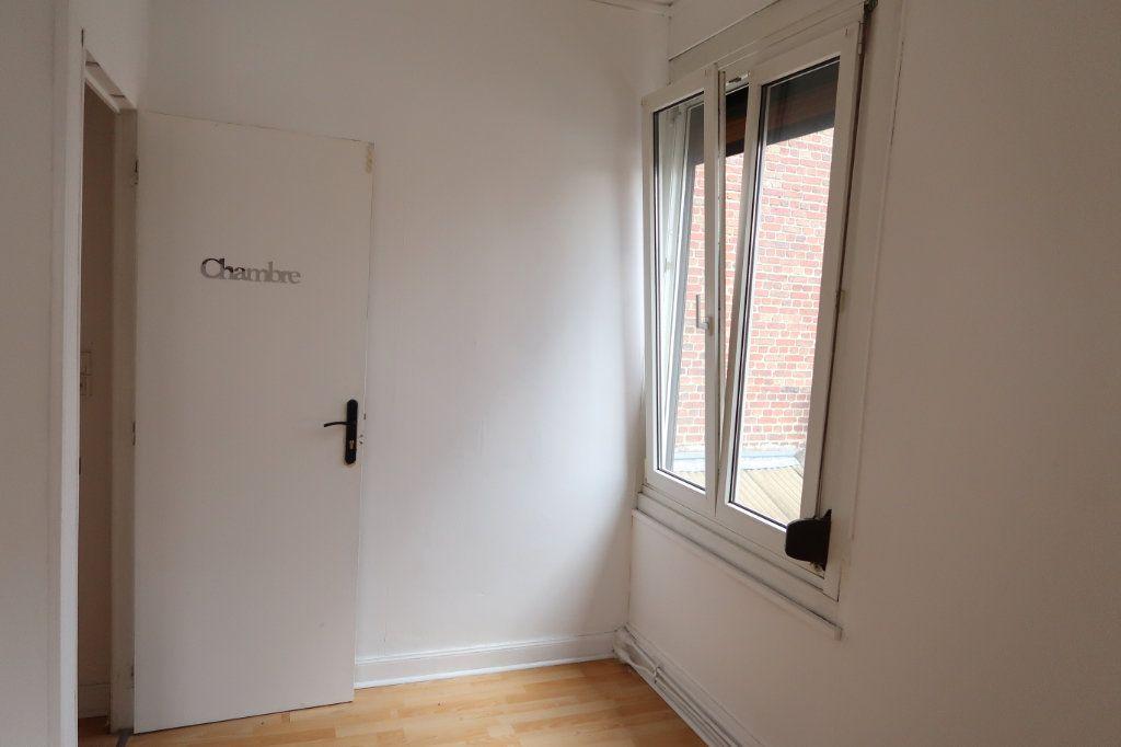 Maison à louer 5 114.32m2 à Saint-Quentin vignette-12