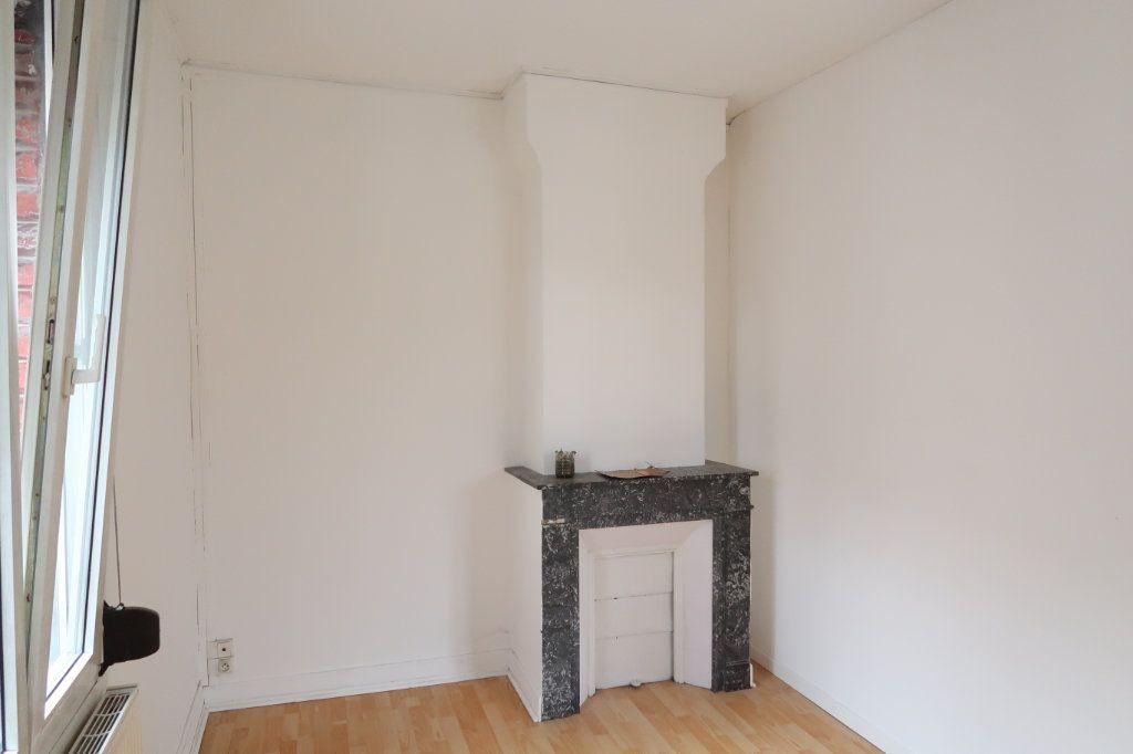 Maison à louer 5 114.32m2 à Saint-Quentin vignette-13