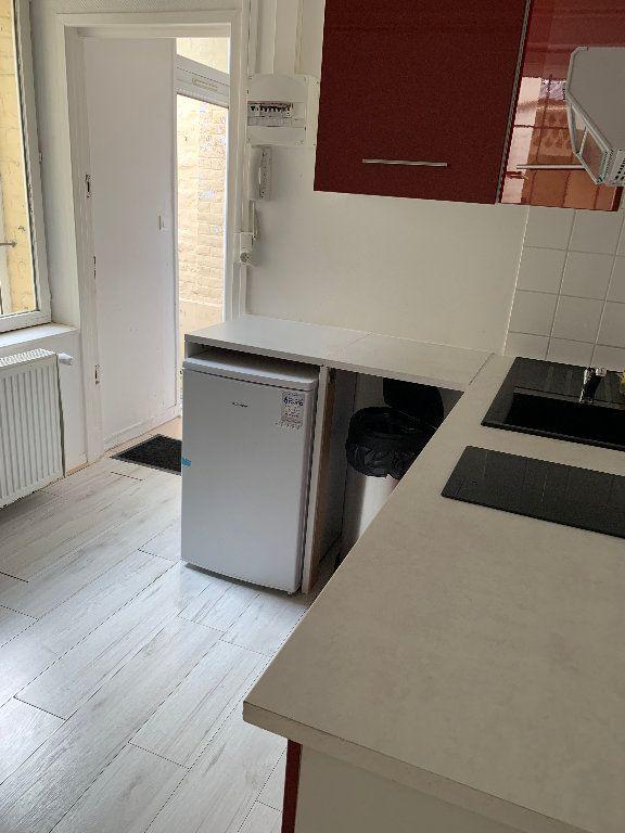 Appartement à louer 2 25m2 à Saint-Quentin vignette-8