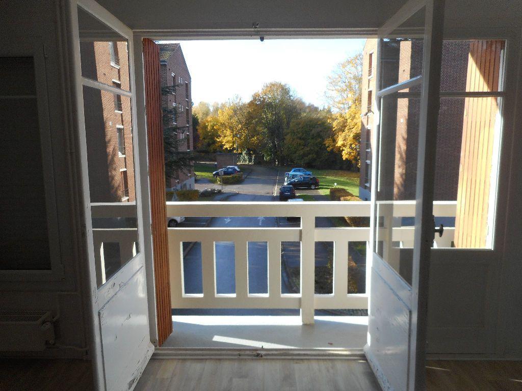 Appartement à louer 3 64.13m2 à Amiens vignette-1