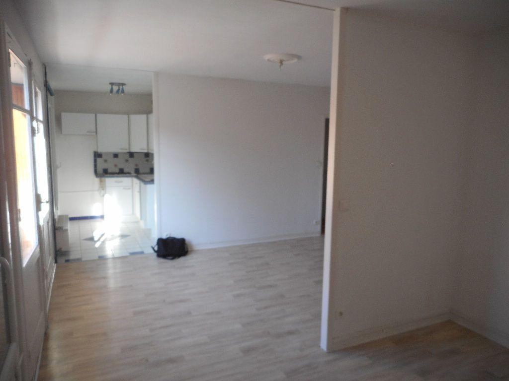 Appartement à louer 3 64.13m2 à Amiens vignette-3