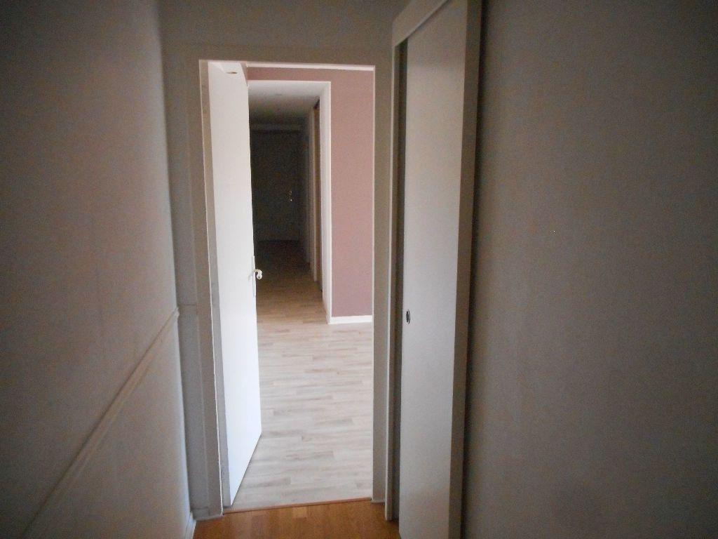 Appartement à louer 3 64.13m2 à Amiens vignette-7