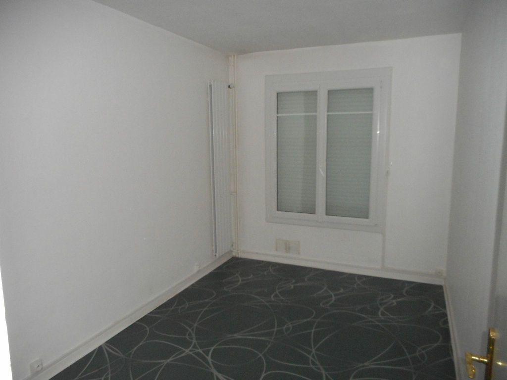Appartement à louer 3 64.13m2 à Amiens vignette-8
