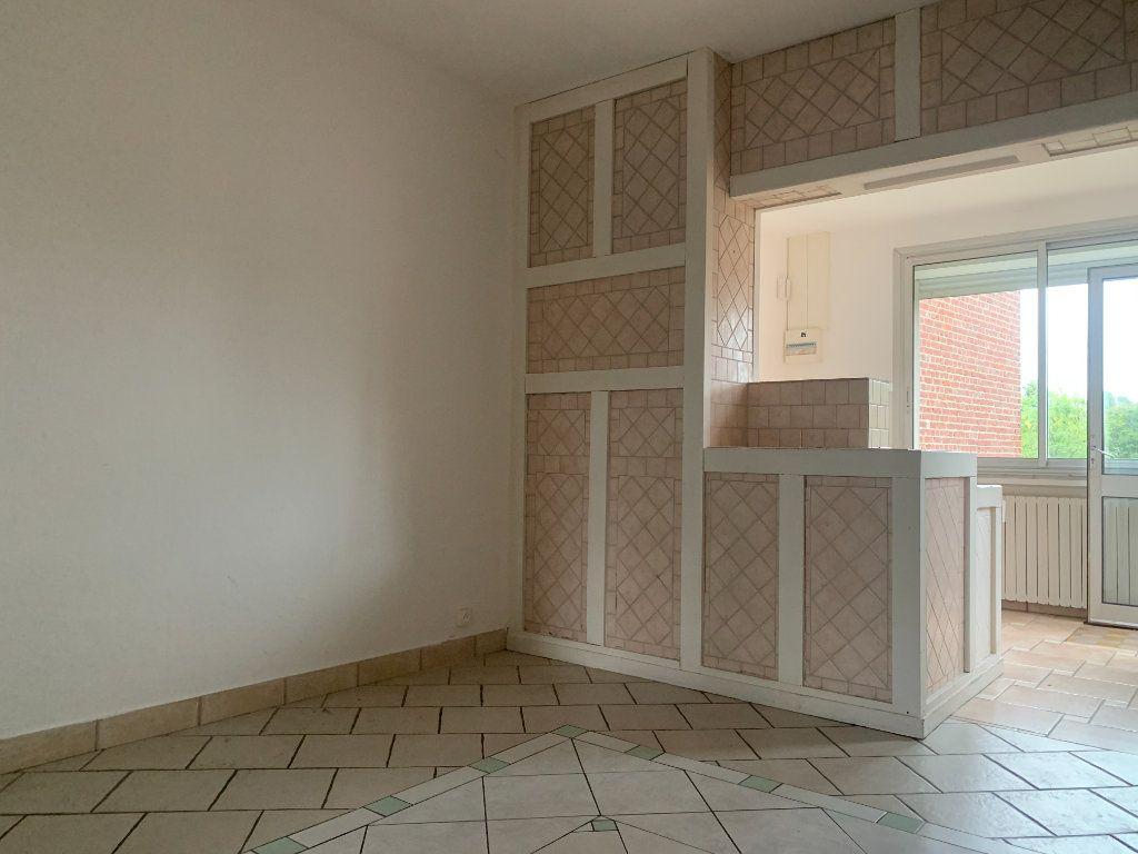Maison à louer 5 100m2 à Tergnier vignette-2