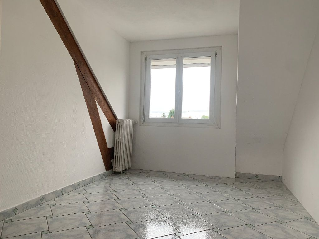 Maison à louer 5 100m2 à Tergnier vignette-7