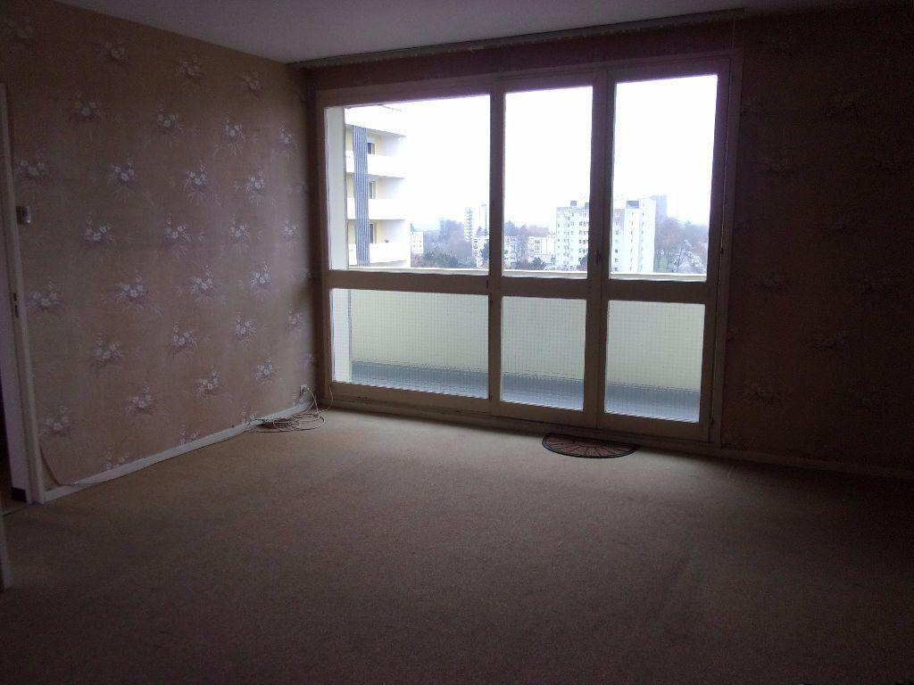 Appartement à louer 3 79.68m2 à Saint-Quentin vignette-2