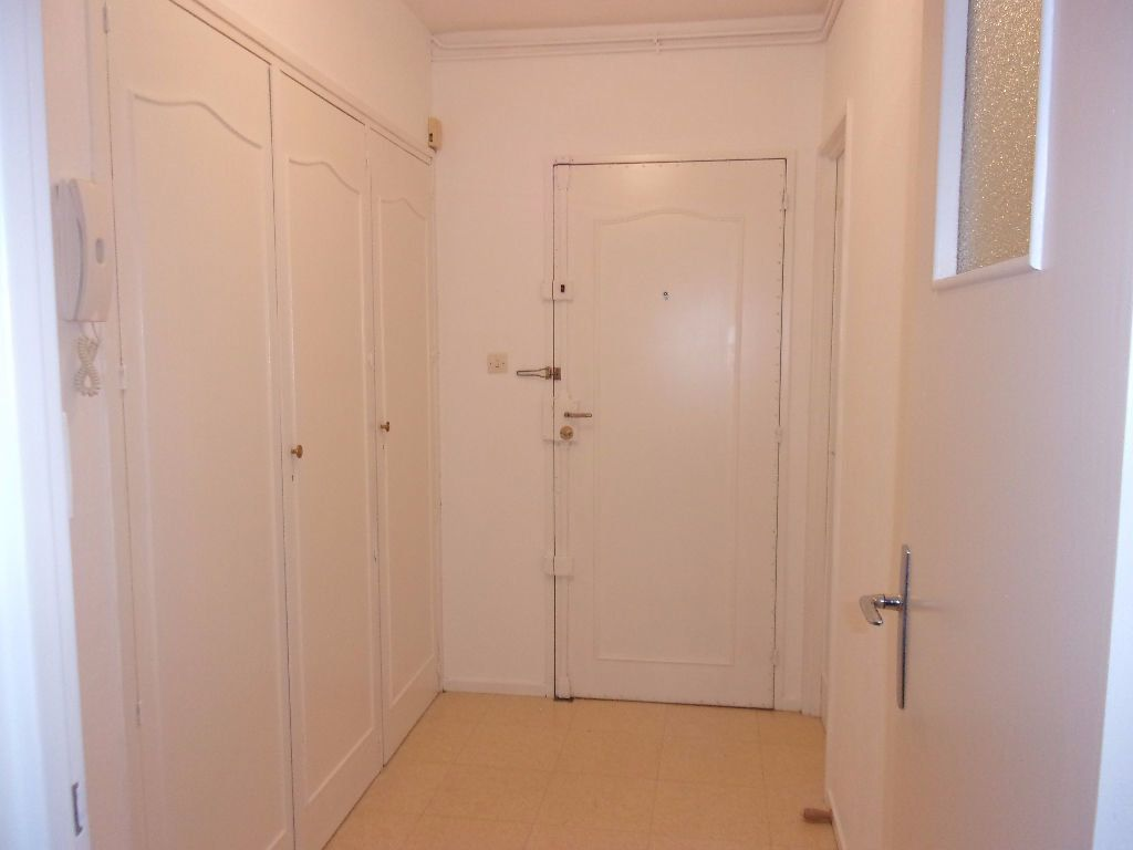 Appartement à louer 3 79.68m2 à Saint-Quentin vignette-7