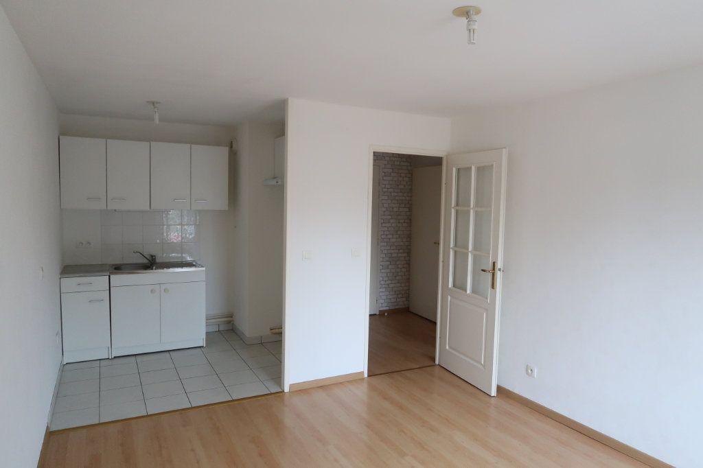Appartement à louer 2 37.76m2 à Saint-Quentin vignette-2