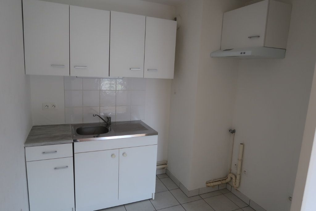 Appartement à louer 2 37.76m2 à Saint-Quentin vignette-3
