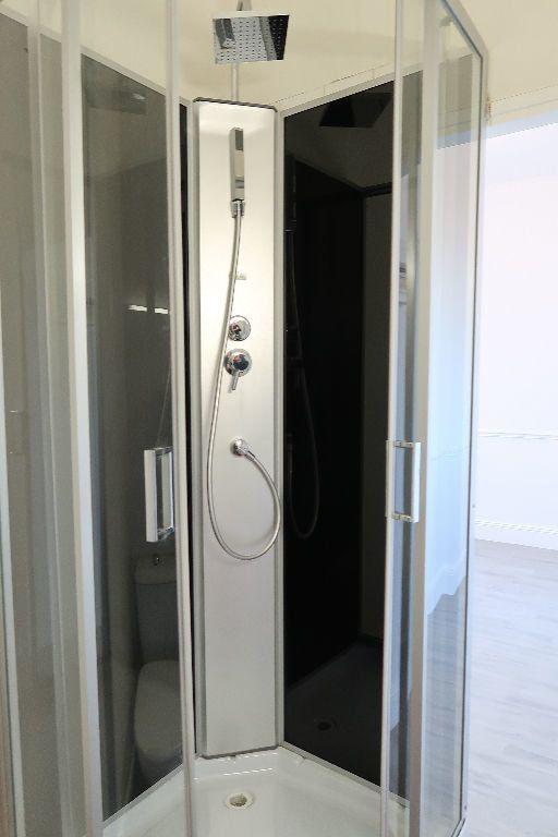 Appartement à louer 1 13m2 à Saint-Quentin vignette-4