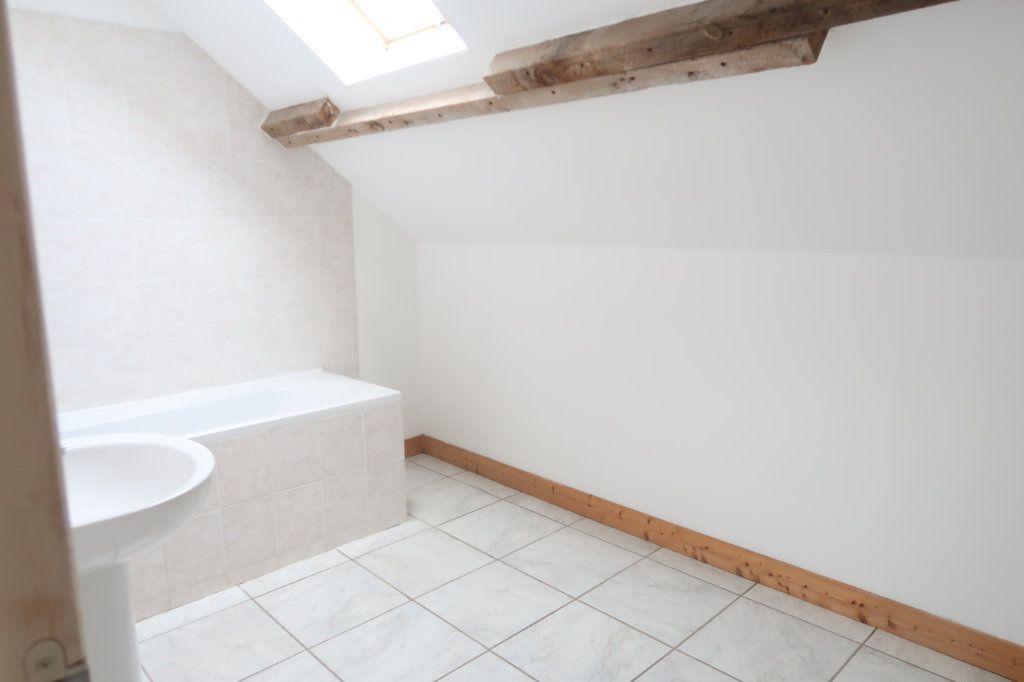 Appartement à louer 4 105.42m2 à Monchy-Lagache vignette-4