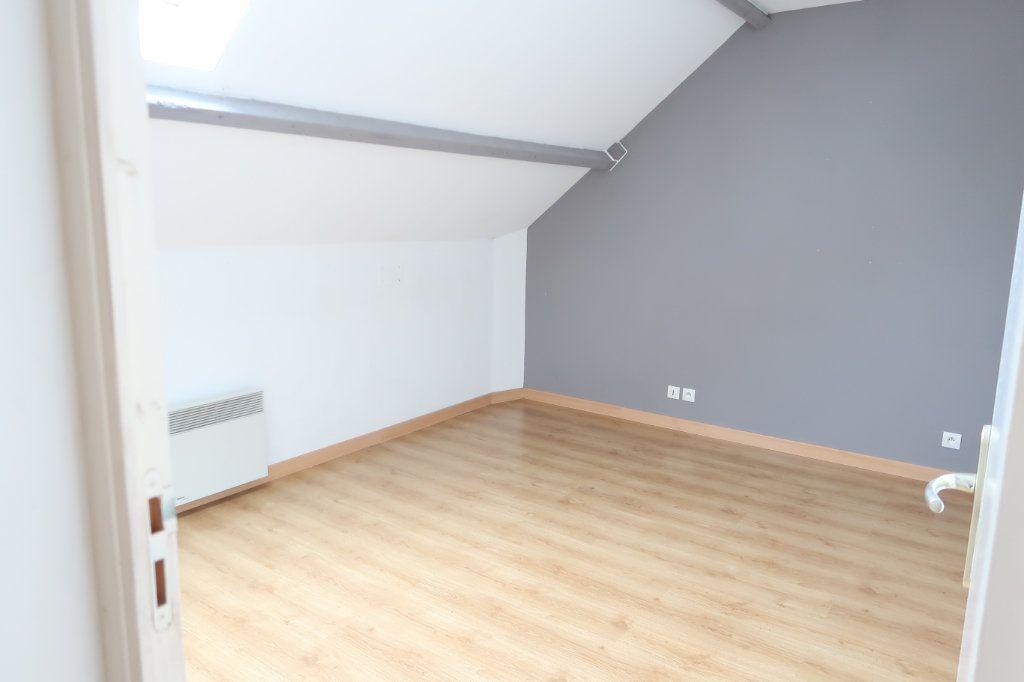 Appartement à louer 4 105.42m2 à Monchy-Lagache vignette-5