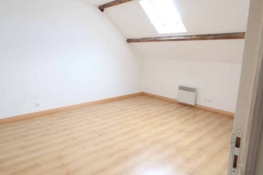 Appartement à louer 4 105.42m2 à Monchy-Lagache vignette-6